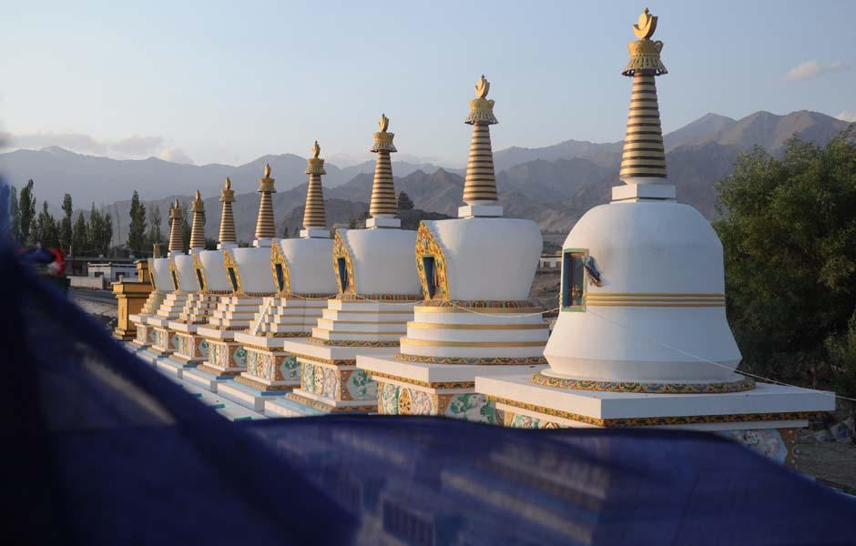 Stupas Dalai Lama - Lagahk
